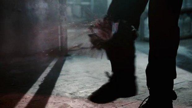 Kaki ditembak shotgun lalu putus mengingatkan saya akan The Punisher